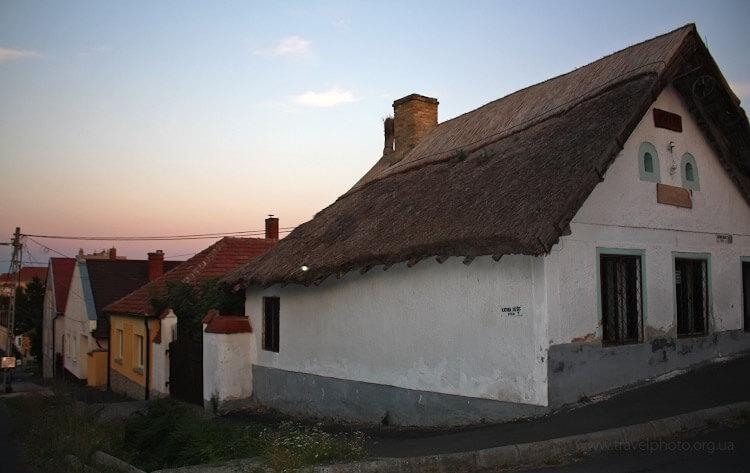 Кестхей, дом с соломенной крышей