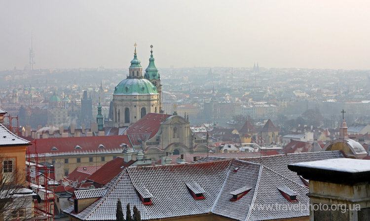 Прага Зимой крыши домов